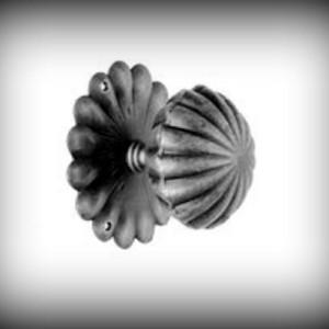 Artikel-Nr. 24-308 Türknauf drehbar 100×100 mm Schmiedeeisen